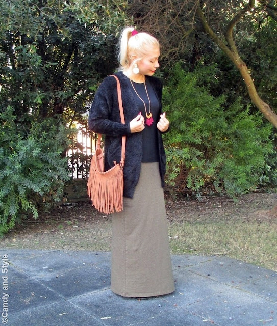 FuzzyCardigan+MaxiSkirt+FringedBag+AnkleBoots+RedLips - Lilli Candy and Style Fashion Blog