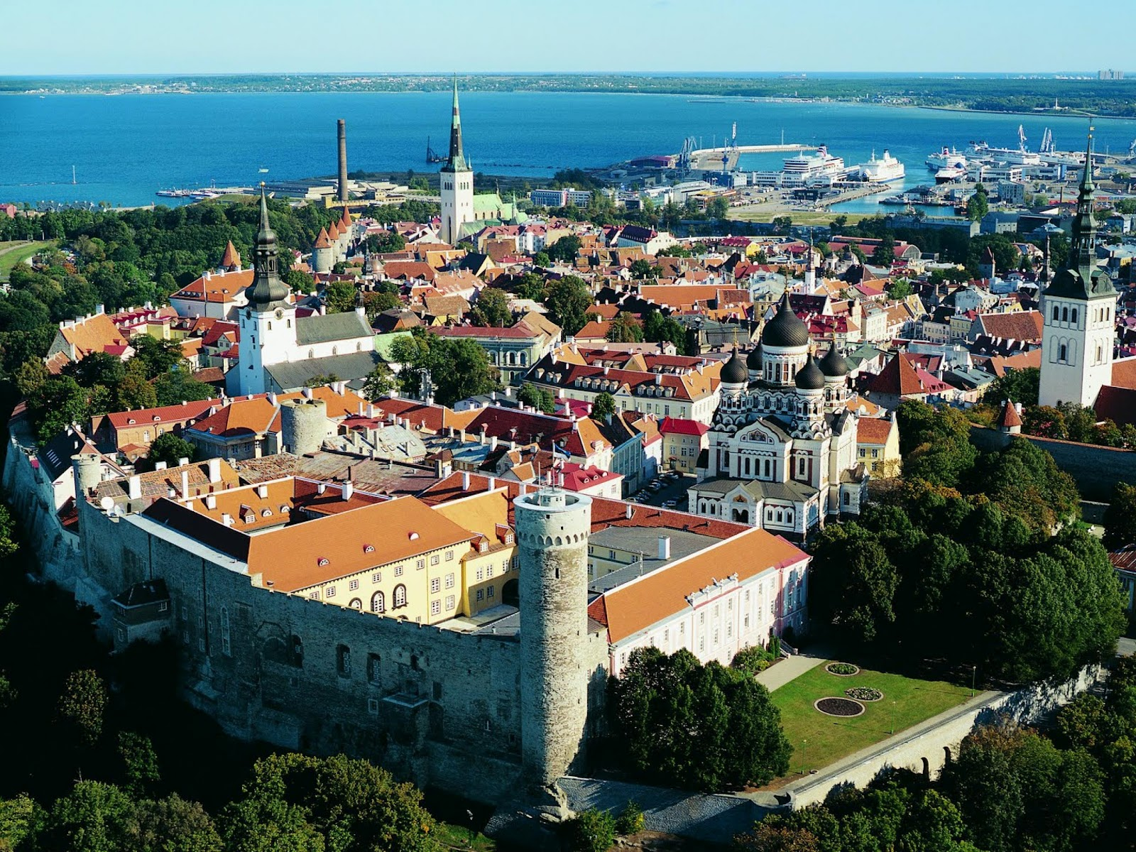 Travel & Adventures: Tallinn (Tallinna). A voyage to ...