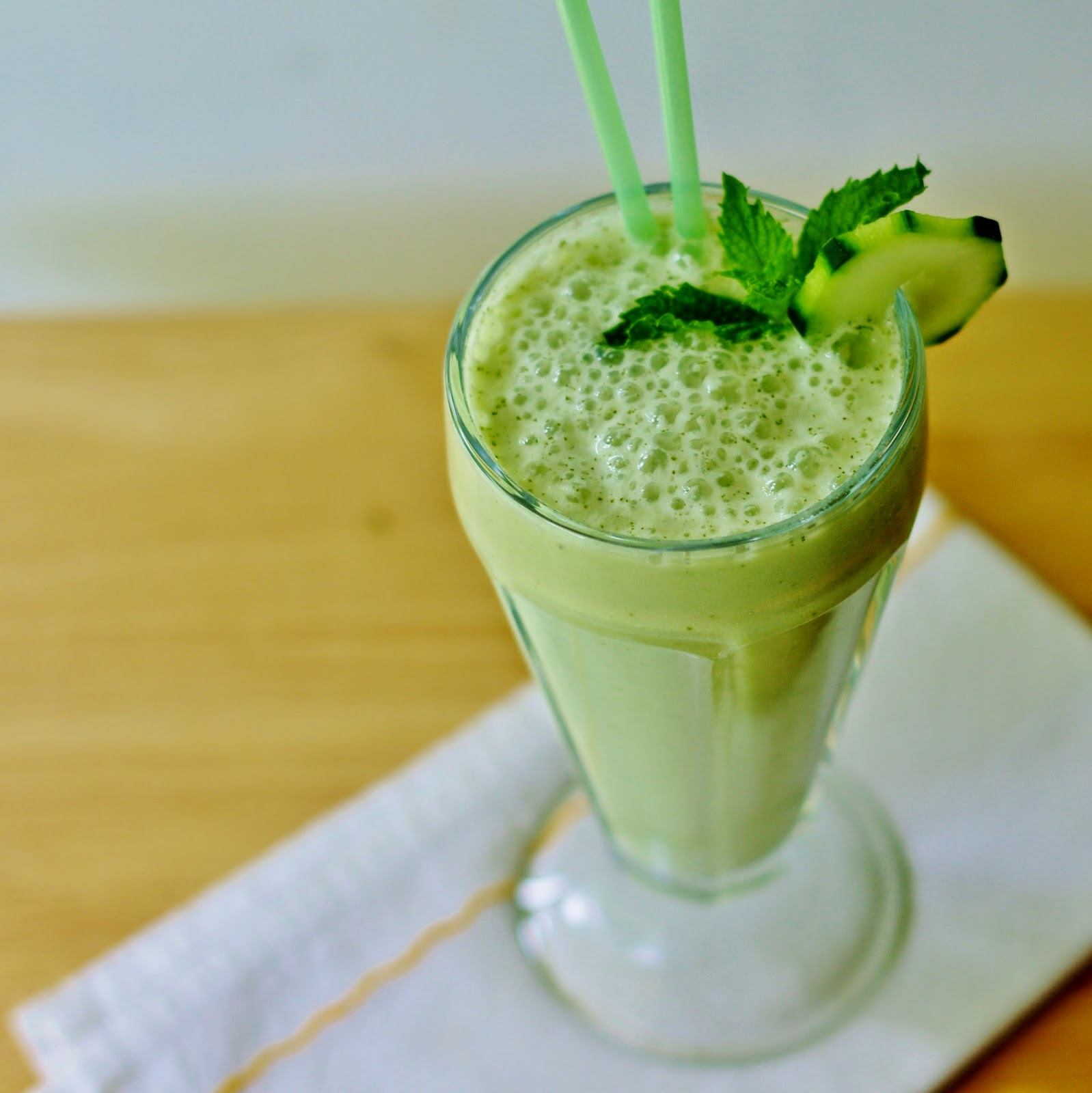 Sage Trifle Cool Honey Mint Smoothie