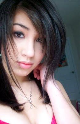 Gambar Bugil Gadis berwajah lembut yang suka berfoto bugil