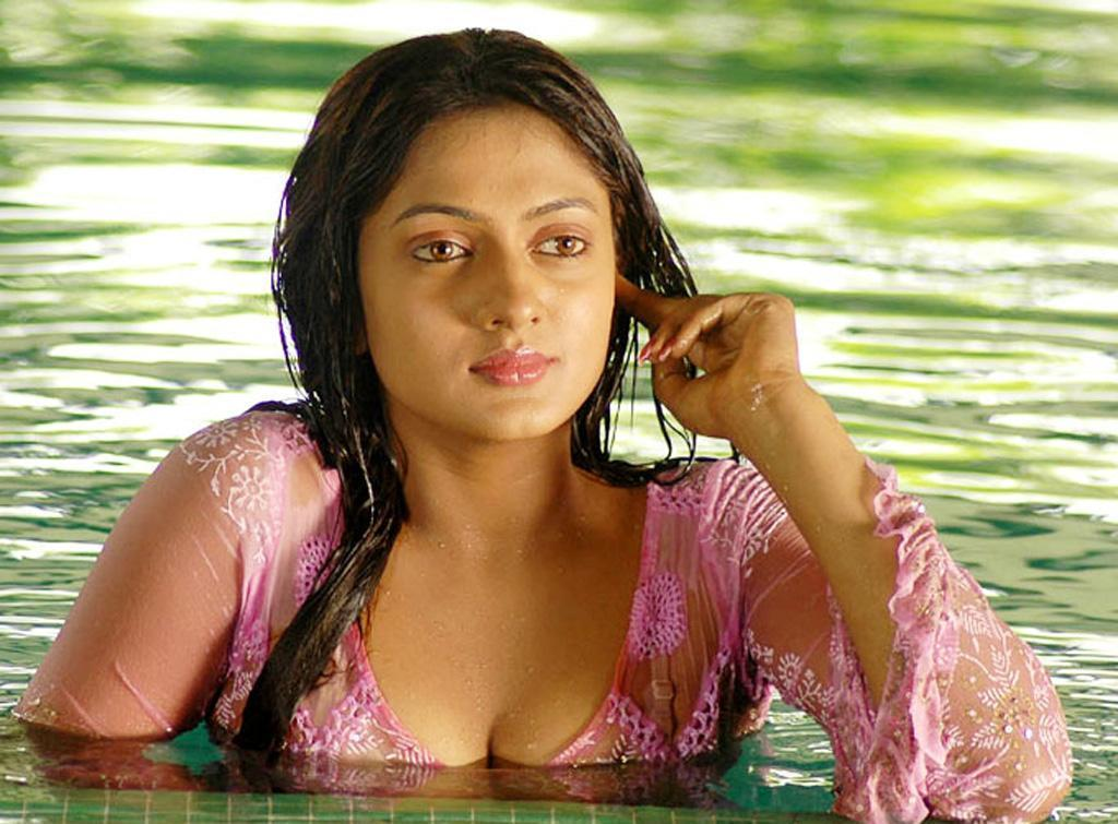 bunga tidur tollywood actress in swimming spicy stills