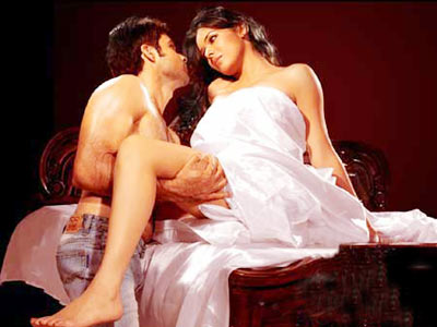 Bollywood Actresses Hot Scenes