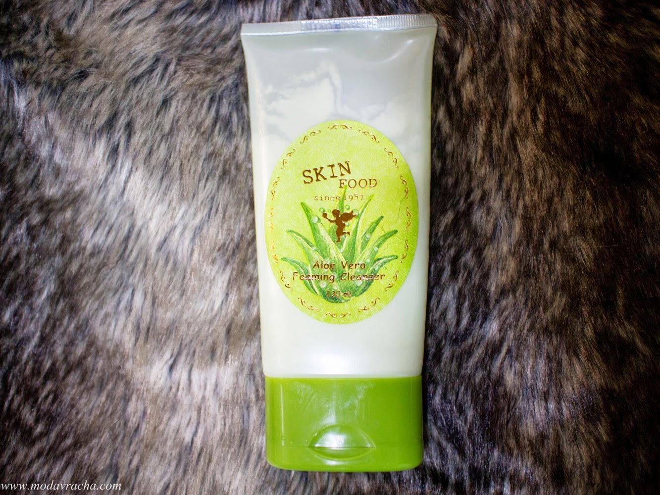 Korean skin care cleansing product SkinFood Aloe Vera Foaming Cleanser Review