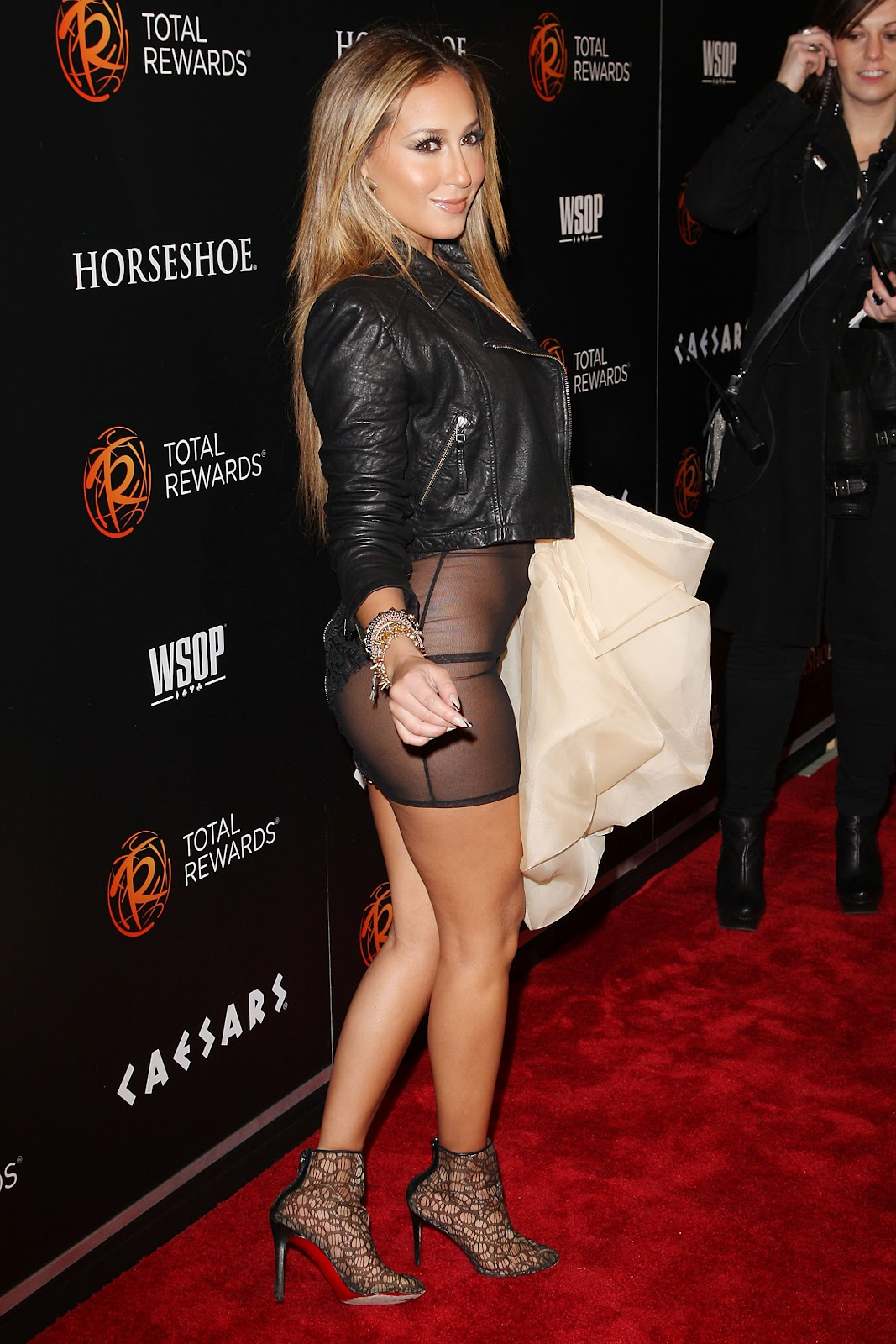 http://3.bp.blogspot.com/-JN8GIuhxcho/T1sBLJNwE4I/AAAAAAAAEOw/F30U8YAzvfI/s1600/Adrienne+Bailon+Flashing+The+See-Through+Dress+Pantyless+Pussy+www.GutterUncensored.com+006.JPG