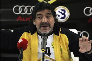 Maradona habla sobre Valdes, Guardiola y la Liga BBVA