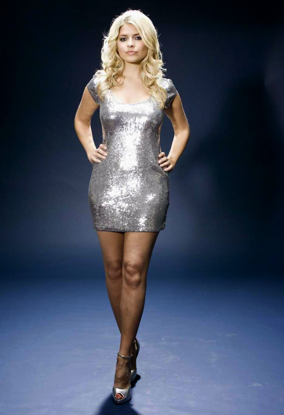 Holly Willoughby Photo 003