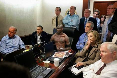 ما هي قصة هذه الصورة الغريبة لأوباما