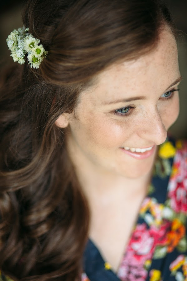 Vintage hair flowers by Sheffield florist Campbell's Flowers.