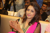 Madhu Shalini gorgeous looking photos-thumbnail-7