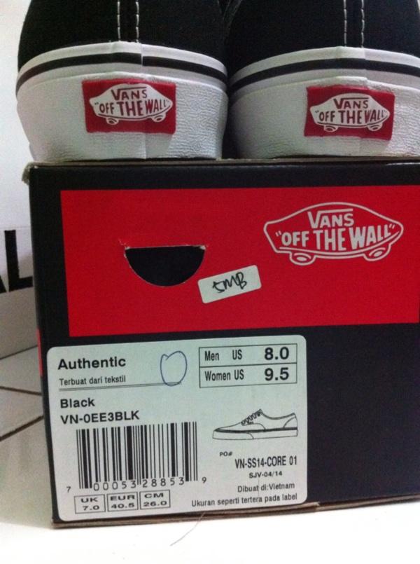 kode pada box Vans