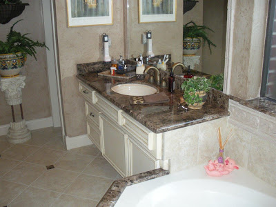 elegant-marble-bathroom