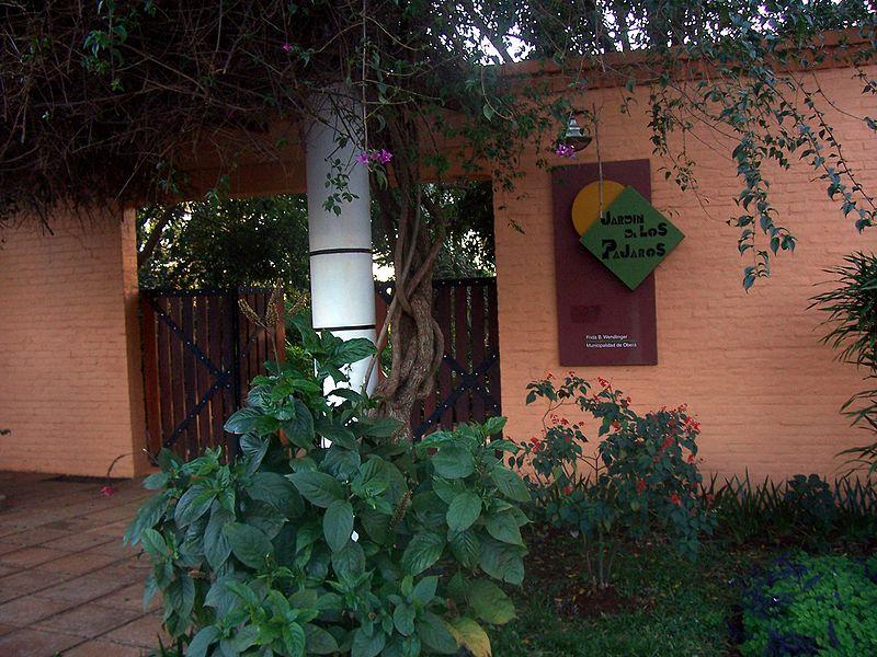 De viaje por argentina visitar el jard n de los p jaros for Aves de jardin