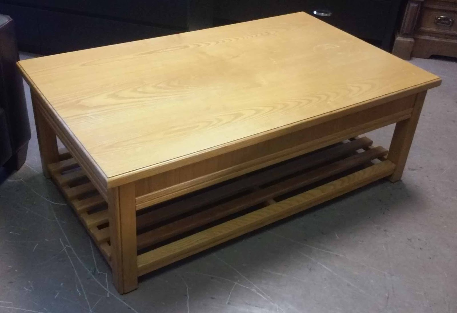 Uhuru Furniture Collectibles Sold Modern Mission Oak Coffee Table 60