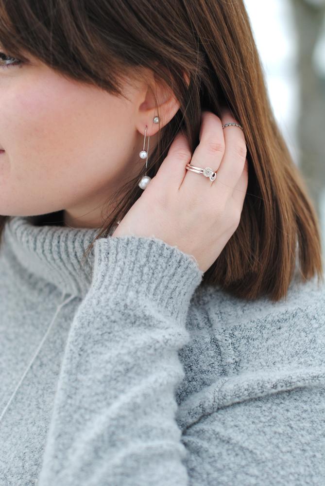 jewellery details double pearl earrings