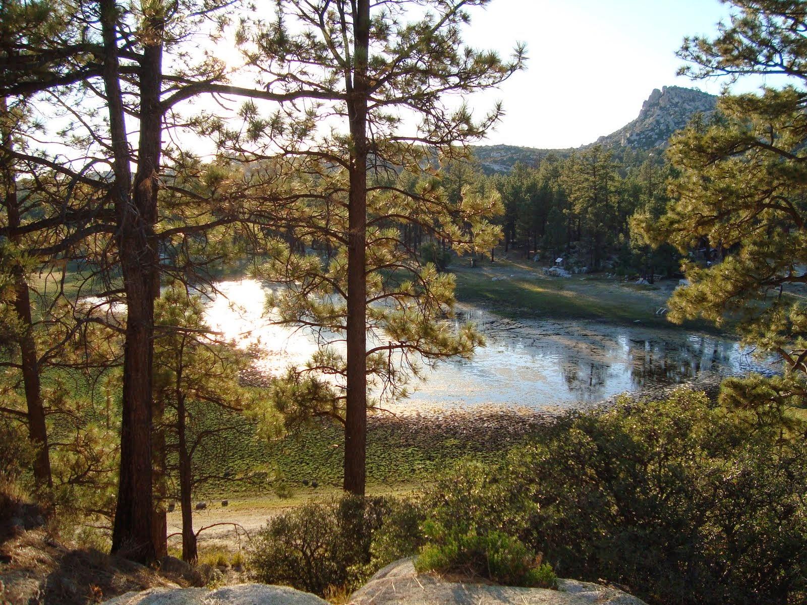 El nombre de la laguna proviene del apellido de Jacob B. Hanson.