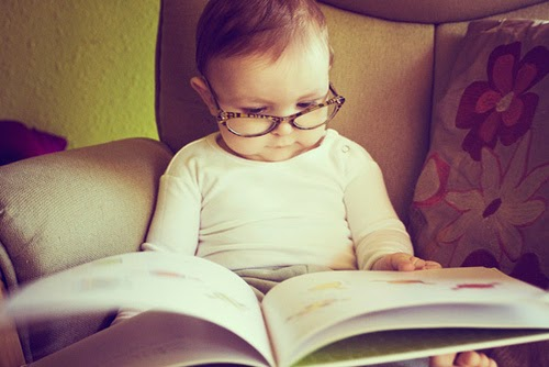 Cara Merangsang Bayi Membaca
