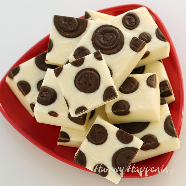 Polka Dot Fudge | HungryHappenings.com