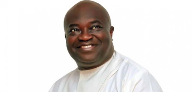 Buhari, Ekweremadu, govs condole with Ikpeazu at mum's burial