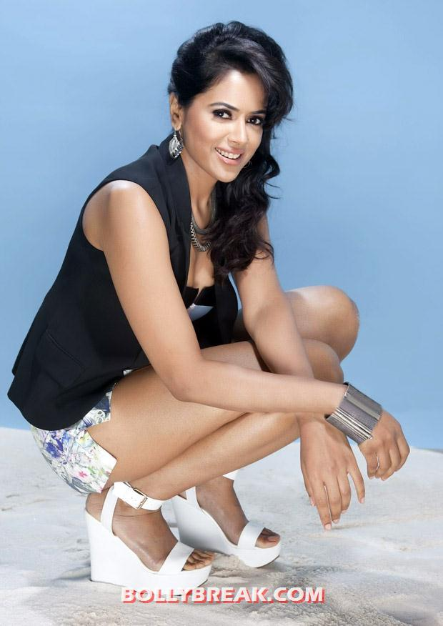 Sameera in black and white with a white wedge sandal -  Sameera Reddy Latest Hot Photoshoot