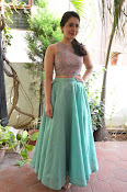 Rashi Khanna latest glam photo shoot-thumbnail-1
