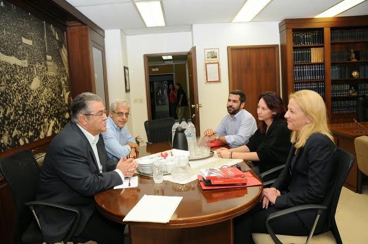 Συνάντηση της Περιφερειάρχη Ρένας Δούρου με τον ΓΓ του ΚΚΕ, Δημήτρη Κουτσούμπα