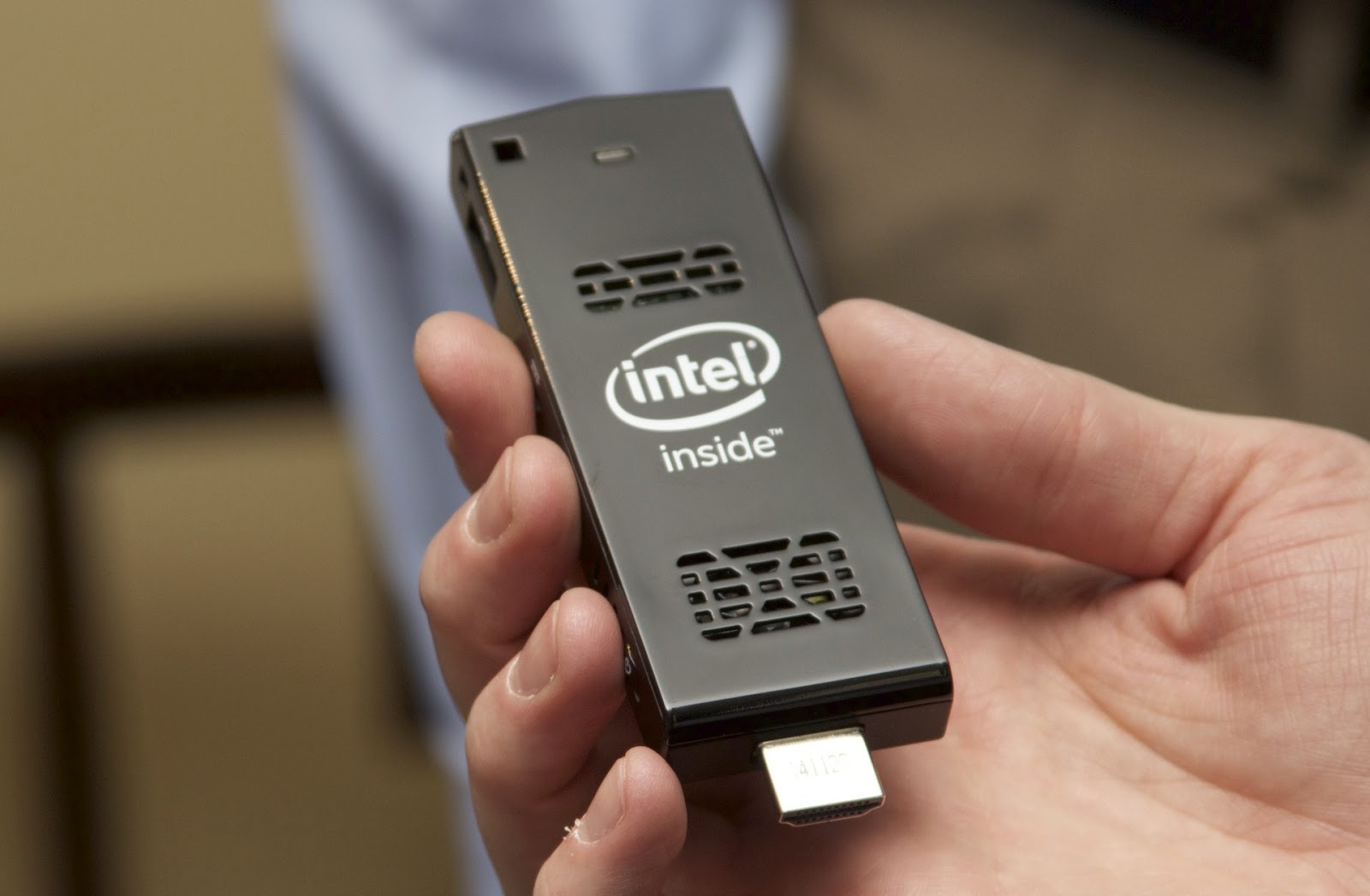 Intel Introduces New HDMI Dongle USB Equipped With Windows 8.1 and Linux PC