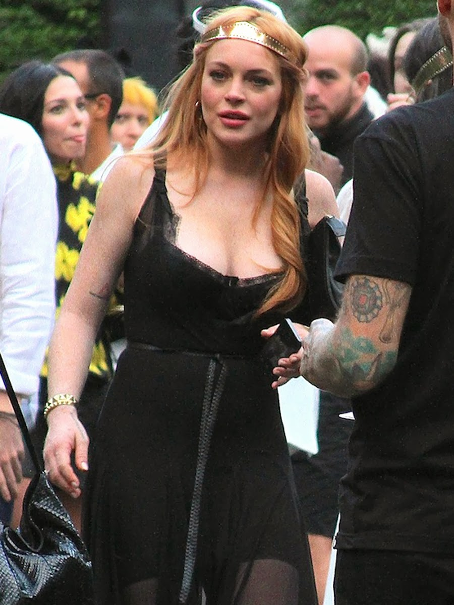 Lindsay Lohan cleavy