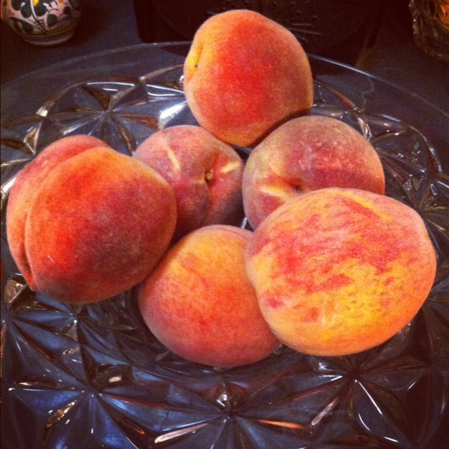 how to cut up a stone fruit