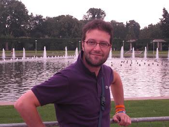 Davanti ai giochi d'acqua della fontana di Breslavia (2011)