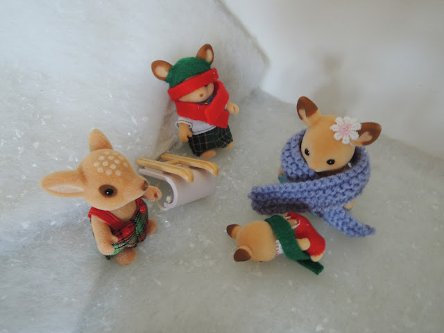 Sylvanian Families Christmas Winter Snow Scene Buckley Red Deer Sledge Sleigh