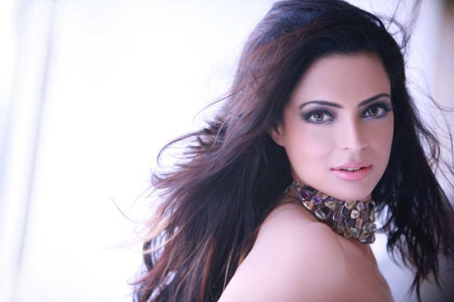 Shweta Bhardwaj Players Cute Hot and Beautiful...