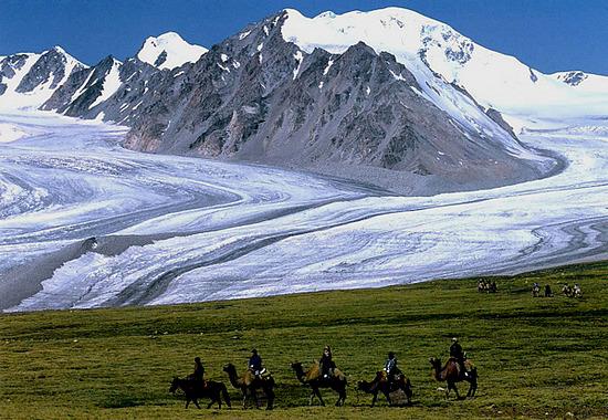 Top 5 điểm đến hấp dẫn khi du lịch Mông Cổ