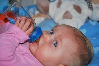 Bolehkah Bayi Minum Air Mineral