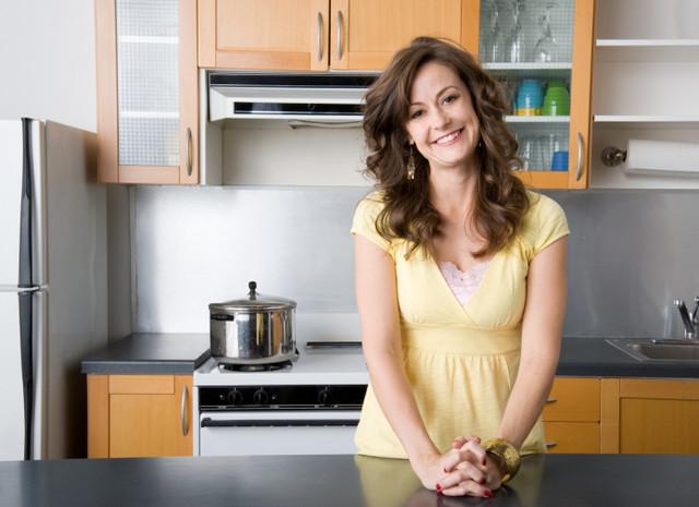 Женщин на кухне фото 186-931