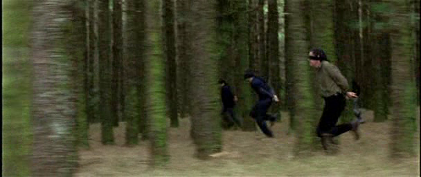 Intacto film 2001 juan carlos fresnadillo blindfold running forest scene