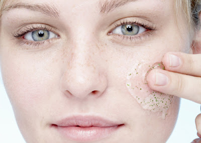 How to remove the marks of acne with natural remedies