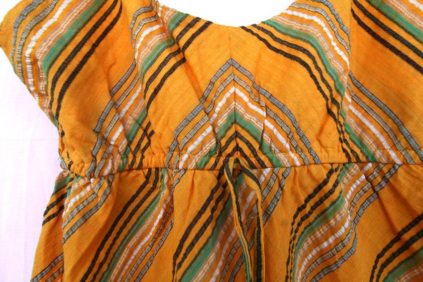 rochie din in cu dungi diagonale