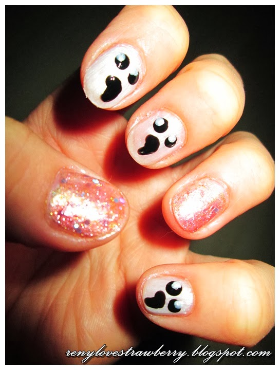 Strawberry Love by Reny: Glow in the dark Ghost Nails