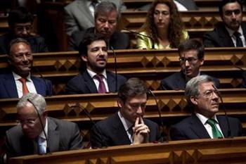 Portugal: FERNANDO NOBRE RENUNCIA AO MANDATO DE DEPUTADO