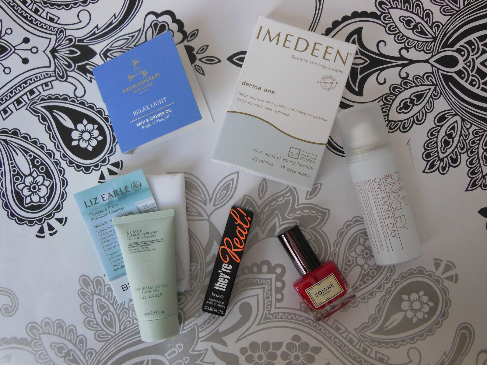 Harper's Bazaar Birchbox UK May 2014 contents