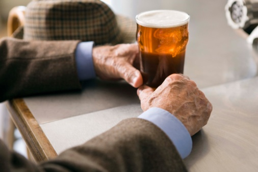 an examination of the people susceptible to alcoholism The research potentially explains why some people are more prone to alcoholism than others and may even lead to a new drug therapy than could treat alcohol dependance a robust study has uncovered a molecular mechanism in the brain that is believed central to the development of alcohol addiction.