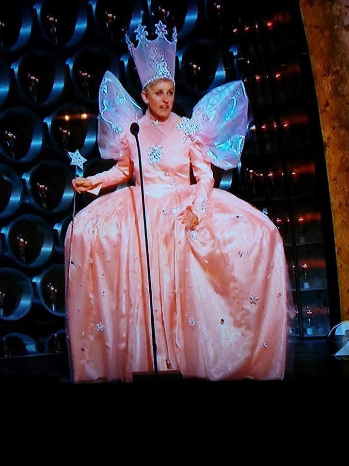 Costumes Comics Glinda Dress Analysis