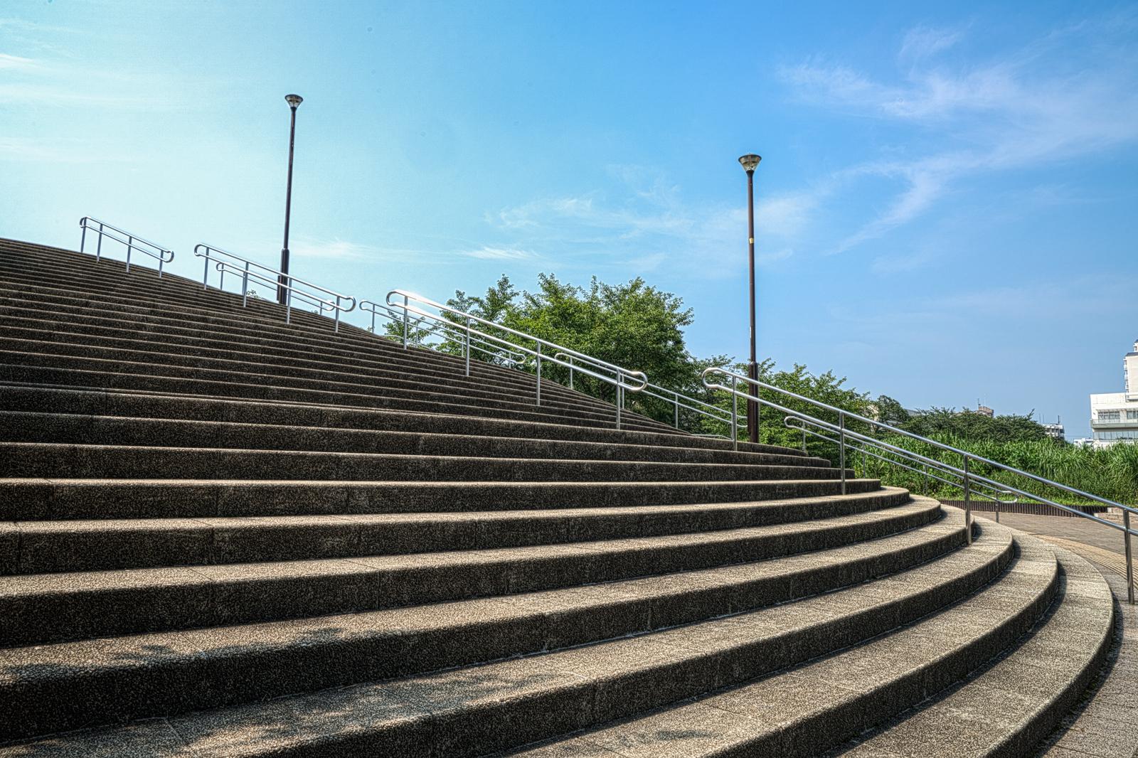 公園の階段の写真