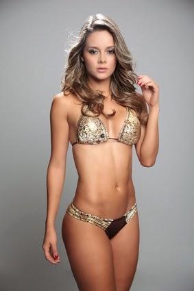 lindo abdomen de Alejandra Buitrago
