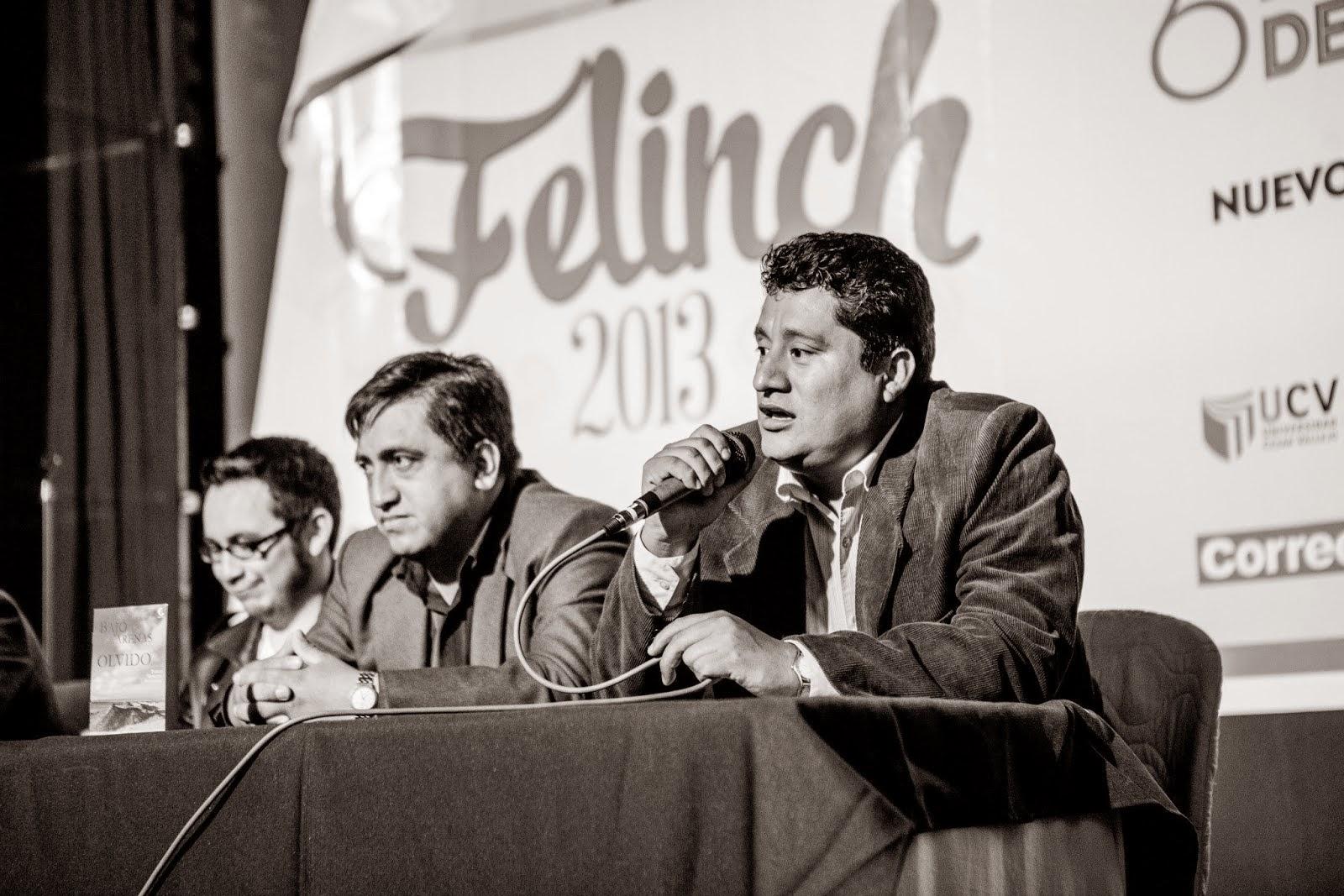 PRESENTACIÓN DE BAJO LAS ARENAS DEL OLVIDO. FERIA DEL LIBRO DE NUEVO CHIMBOTE
