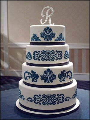 Navy blue wedding cakes a perfect choice for military brides