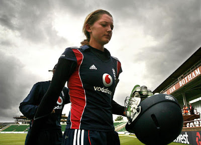 ICC-Women's-T20I-Cricketer-of-the-Year-Sarah-Taylor