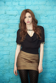 karen gillan selfie tv series 1st season promos and episode 6 pics 4.jpg