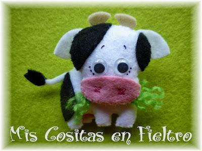 broche de fieltro, broche en fieltro, fieltro broche, broche, fieltro, felt, regalo, pin, vaca, felt cow, vaquita