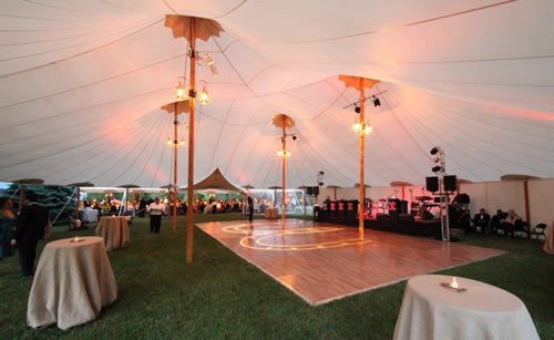 Sperryu0027s journey began in 1980 when accomplished sail-maker Steve Sperry was faced with the challenge of hosting a family gathering. & Maine-ly New Hampshire Weddings: Vendor Highlight- Sperry Tents